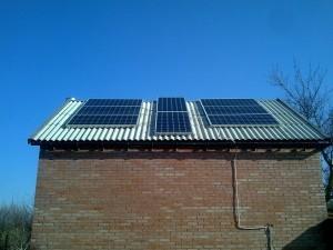 Сетевая солнечная станция в частном доме